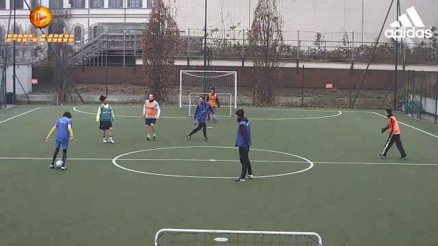 Walking Football @ PlayMore! Moscova