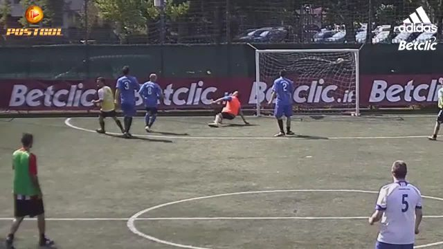Stop, dribbling, Punta. Super gol!