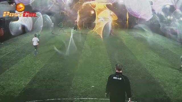 Quick free kick. Rey goal