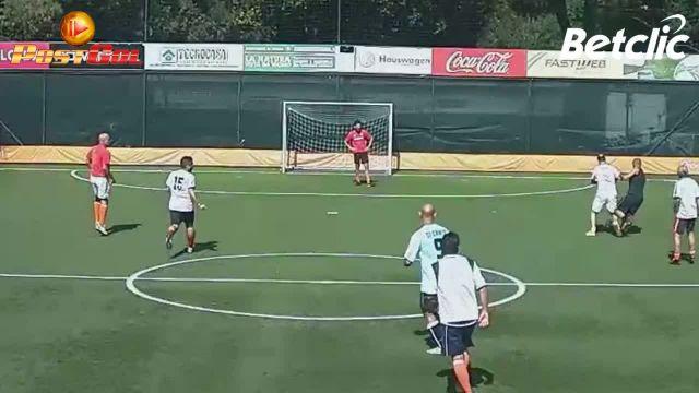 GAR ruba palla e insacca