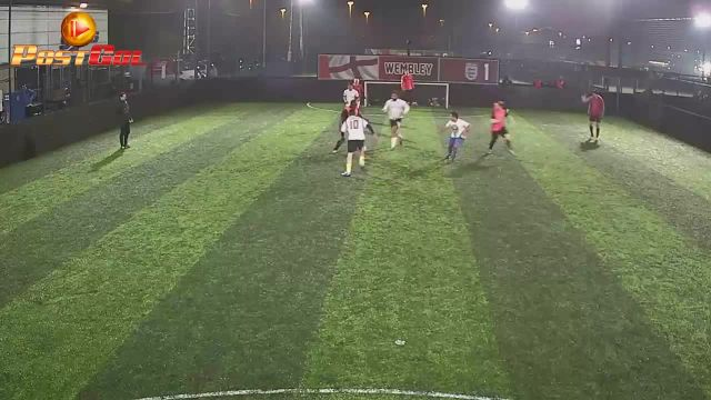 Haydons Road Vs Murphy FC - (Good side step skill)